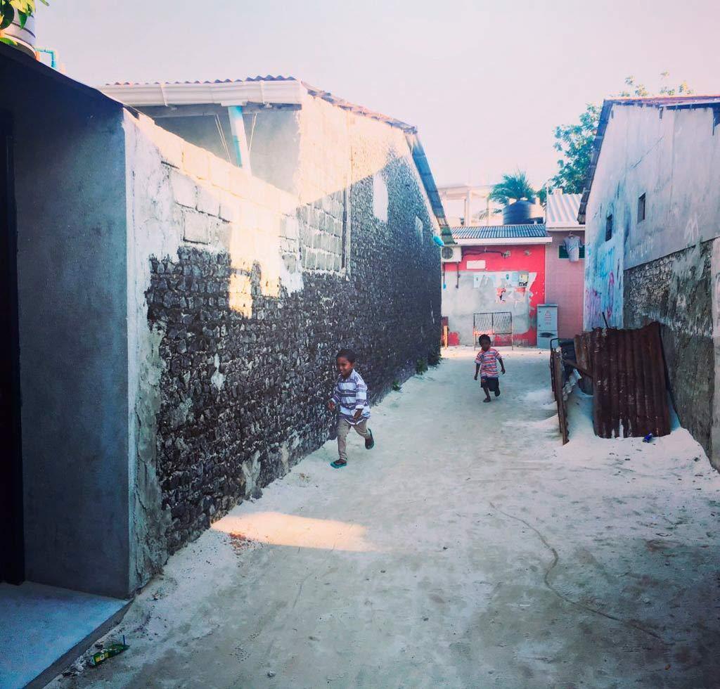 niños jugando en gulhi