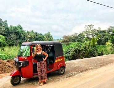 cómo alquilar un tuk tuk en Sri Lanka