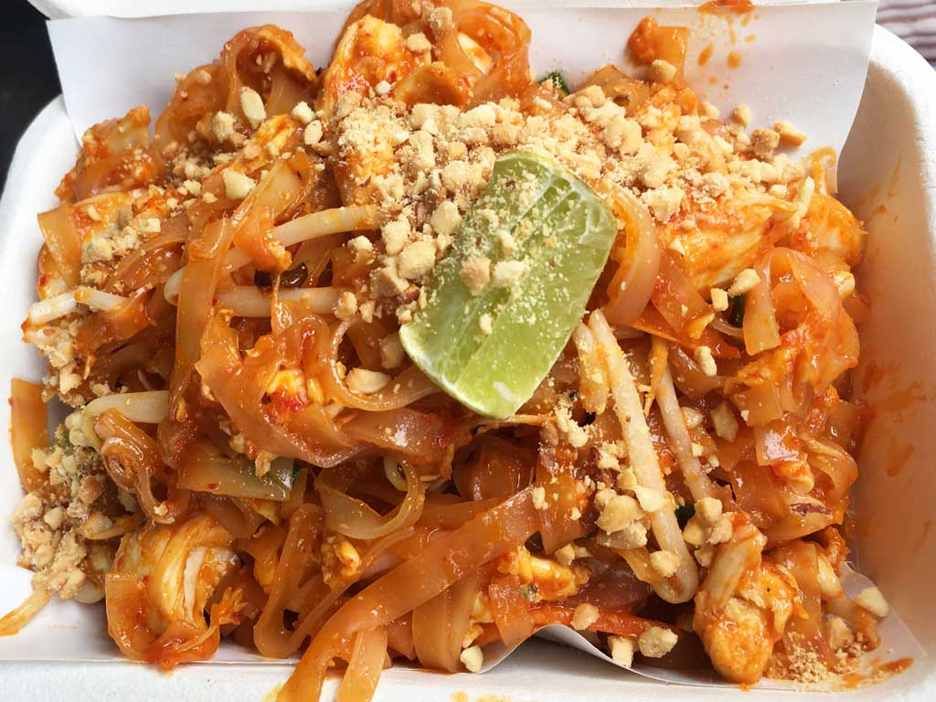 donde comer pad thai en Koh tao