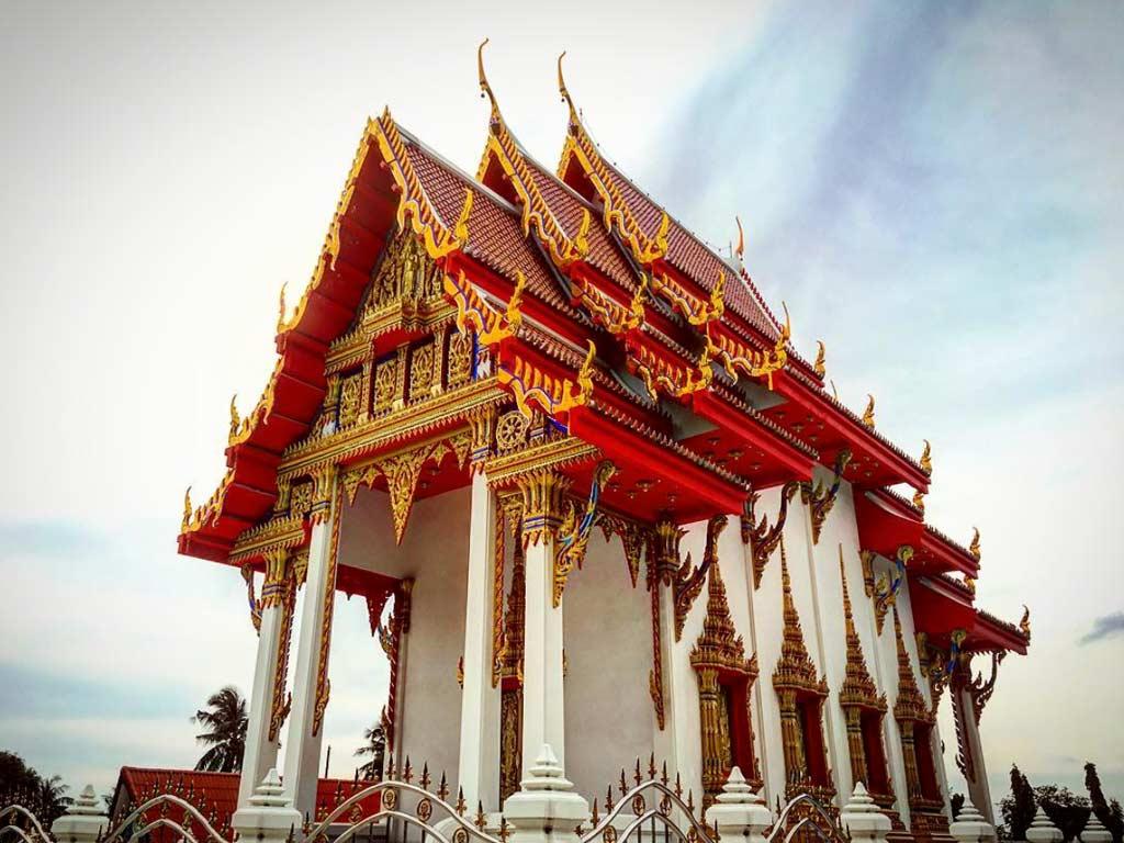 que ver y hacer en Koh tao templo